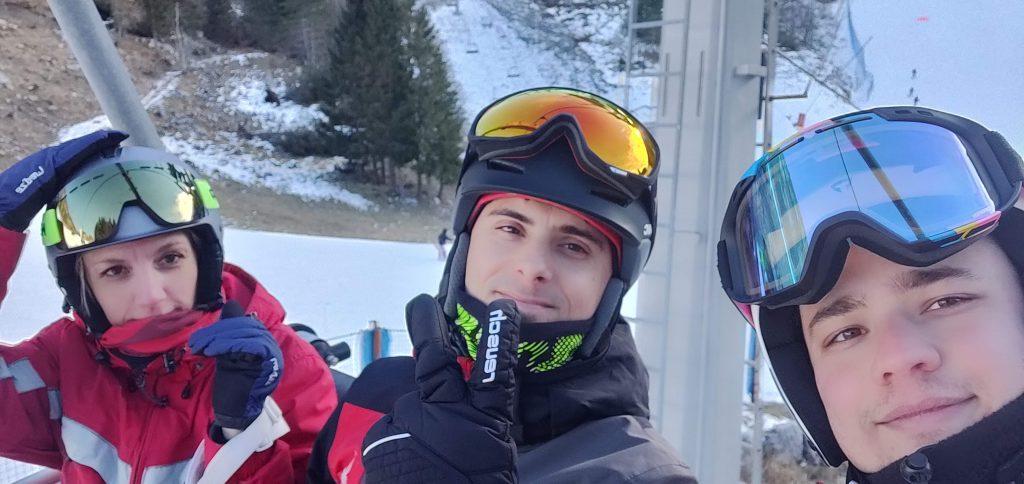 2017 - Daniele assieme ai colleghi di MOLO17 Elisa Battistutta e Daniele Angeli sulla pista da scii